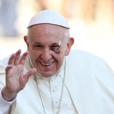 Папа Римский родит маму Римского?