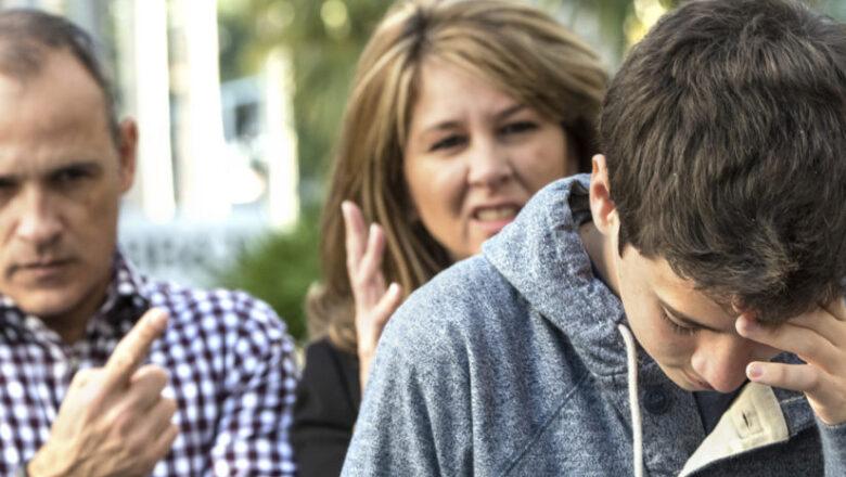 Родители требуют от группы Навального прекратить манипулировать детьми в соцсетях